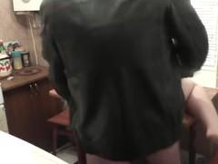 Plumber fucks wife when husband away. Russian slut. Creampie closeup pussy
