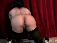 Sexy Muscular Brandimae Pussy Clit Play