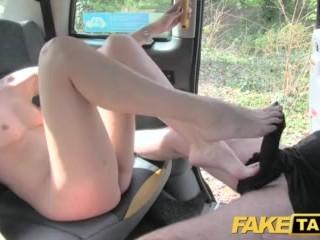 Análna jazda vo faketaxi