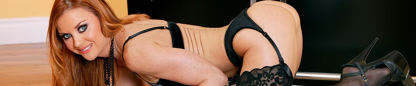 Carmen electra naked wallpaper