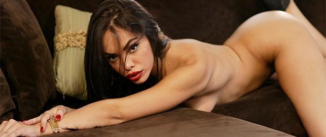 Бесплатные порно фильмы онлайн изменщица с селеном роуз фото 216-434