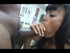 Bella Moretti - Creamy wet pussy!!