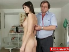 Natural busty babe Kattie Gold pussy exam