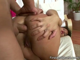 Fit girl loses her anal innocence in passionate action