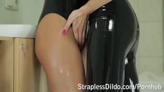 Kinky feeldoe fuck in black latex  rubber kinky latex adult toys girl on girl sex toy strapon lesbians feeldoe