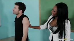 Brazzers - Ebony babe Jezabel Vessir sucks cock