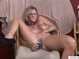Orgasmes multiples pour Jodi West