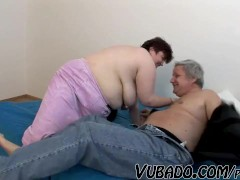 OLD, FAT AMATEUR COUPLE FUCKS !!