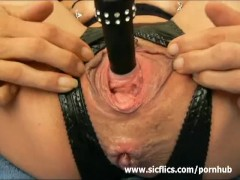 Fucking her piss kanal and stretching her monster cunt