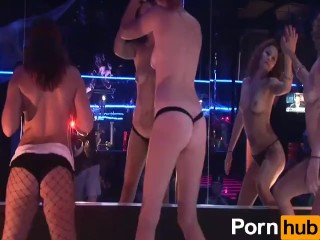 HALLOWEEN PARTY GIRLS - Scene 7