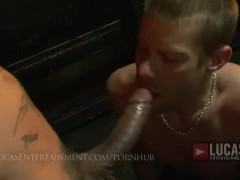 Hungry jocks suck hung muscle tops. Multiple cumshots