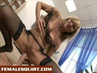 Hot babes inserting toys and squirting