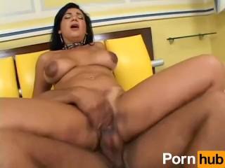 Hot Mamas - Scene 1