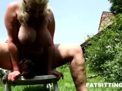 shoking facesitting performed by fat blonde