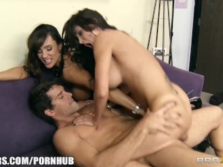 Big-tit brunette MILF Lisa Ann shares big-dick with Ava Addams