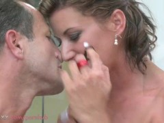 MOM HD Hot mature lady fucks deeply with passion