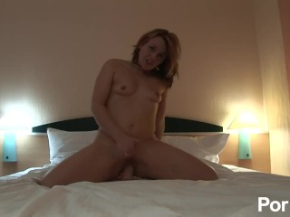 Riding the vibrator in the hotel room