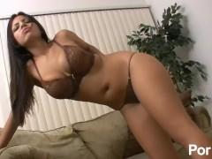 Gorgeous Yurizan Fucking Her Vag With Glass Dildo