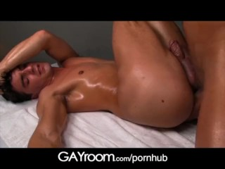 GayRoom Big booty boy fucked by hunky masseur