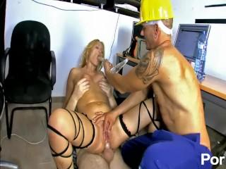 Lady Diamond fucking construction worker