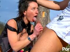 Thar she squirts!