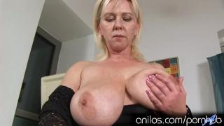 Huge natural tits and mature cunt crave orgasmic pleasure