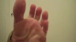 Feet goddess Amber entices you