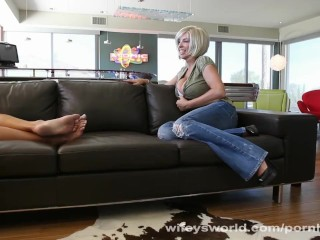 Horny mom eva notty gives titjob 8