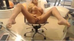 Hot Hot Webcam Babe