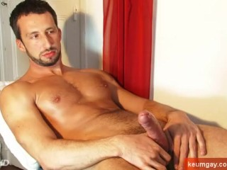 Italian hunk get wanked his huge cock by me!