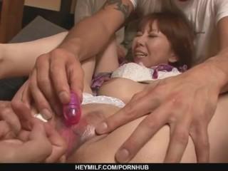 Minami Kitagawa´s foursome ends in an asian cum facial