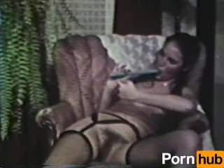 Sexy German Mom MILF get fucked by big dick and Cum in Pussy - Title on the code