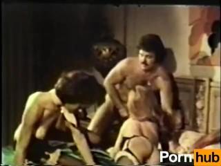 Peepshow Loops 375 70s and 80s - Scene 4