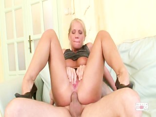 Lesbians pussy lick in fish net stockings - Title on the code