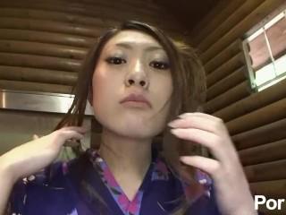 Tokimeki Yukata ga Kuzurerukara Dame - Scene 2