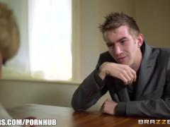 Brazzers – Sexy Cop Loulou's Erotic interrogation