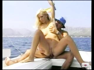 Blond Und Versaut, Scene 3