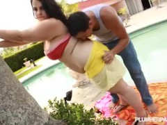 Busty Brunette Plump Babe Emma Bailey Bangs Stud By The Pool