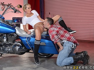 Brazzers - Sexy bicker babe Tucker Starr gets fucked