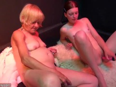 : Old mom teaches young girl how to fuck