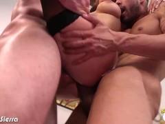 Liza Del Sierra gets cummed in threesome