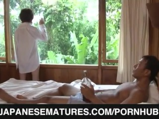 Morning oral with a steamy milf
