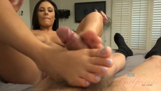 Gianna Nicole making you cum all over her feet