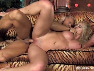 Mia Lelani sucks a big cock