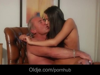Bald guy fucks brunette slut after first date