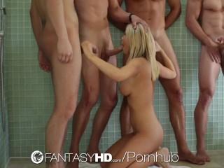 HD - FantaisyHD Tacha Reign fait une orgie avec trois gars
