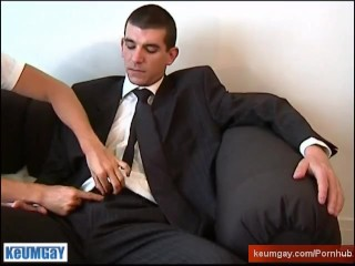 The str8 vendor guy get wanked his huge cock by a guy in spite of him !