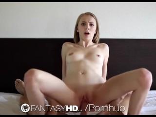 HD FantasyHD - Jenna Marie suce en fond de gorge avant d'implore sa bite