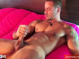 Vitor get massaged his huge cock by us: ass massage !