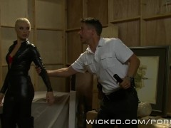 Wicked – Anikka Albrite does anal in hot leather pants